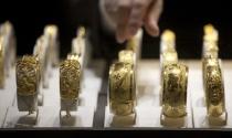 Hãng trang sức kiếm bộn khi vàng giảm giá