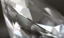 Warren Buffett bán kim cương tại đại hội cổ đông