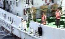 Máy bay, tàu Trung Quốc liên tục uy hiếp tàu Việt Nam