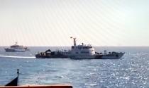 Trung Quốc rút bớt tàu nhưng vẫn hung hãn ngăn cản tàu Việt Nam