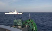 Trung Quốc tiếp tục sử dụng nhiều tàu lớn uy hiếp tàu Việt Nam
