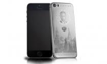 """""""Sốt"""" iPhone titan in hình Putin giá 70 triệu đồng"""