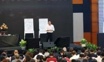 Kiếm bộn nhờ đưa diễn giả nổi tiếng về Việt Nam