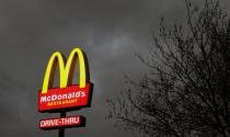 Giông tố bủa vây McDonald's