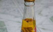Thêm một chai Number 1 có vật lạ giống ruồi