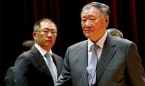 Tài phiệt Hàn Quốc bán chạy cổ phần để lách luật