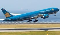 """Vietnam Airlines: Áo mới và """"đường băng"""" mới"""