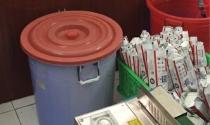 Bóc trần đường dây sản xuất khăn giấy ướt giả... trong nhà vệ sinh