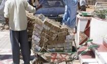 175 triệu tỷ đôla Zimbabwe đổi được 5 USD