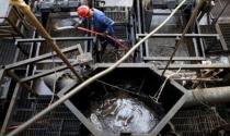 Lo dư cung, giá dầu thế giới giảm mạnh
