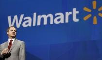 """McMillon """"vùng vẫy"""" trong nỗ lực cải tạo Wal-Mart"""