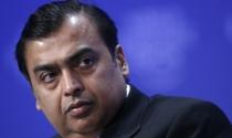 """Tỷ phú Ấn Độ """"tiền đầy túi"""" dù giá dầu giảm"""