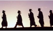 Sinh viên Việt Nam mới ra trường ngành nào lương cao nhất?