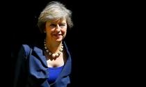 """Tân nữ Thủ tướng Anh cứng rắn hơn cả """"bà đầm thép"""" Margaret Thatcher?"""