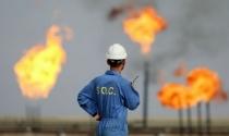 Giá dầu lại giảm vì dự trữ tại Mỹ tăng mạnh