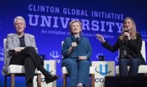 Quỹ từ thiện tỷ đô gây rắc rối cho bà Clinton vào Nhà Trắng