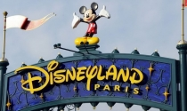 Công viên Disneyland Paris thua lỗ kỷ lục do các vụ khủng bố