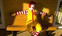 Suốt 60 năm kinh doanh, tới lúc hấp hối tưởng chết McDonald's mới nhận ra một chân lý: Chẳng cần chiến lược gì to tát, copy đối thủ cũng có thể thành công!