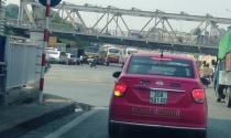 Taxi truyền thống 'lột mào' cạnh tranh Uber, Grab