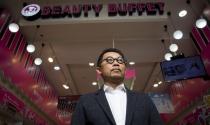 Bán son, dưỡng da giá từ 10 USD, cựu bác sĩ Thái Lan xây dựng đế chế mỹ phẩm gần 2 tỷ USD