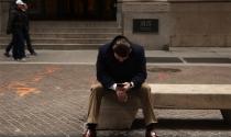 """Đầu tư chứng khoán: Bí quyết tránh những """"phút yếu lòng"""""""