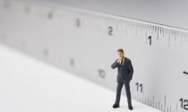 Thước đo nào cho cuộc đời bạn: Tại sao chúng ta đều đang dùng sai tiêu chuẩn để đo độ sâu đậm của đời người