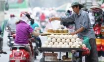 """Chuyện ông lão bán dừa: """"Bán hàng nói thách, làm khách mặc cả"""" - vấn đề là ai có thể thuyết phục ai trong hoạt động mua bán song phương"""