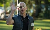 Kiếm 4 tỷ USD trong 1 tuần, Jeff Bezos rút 2 tỷ USD làm từ thiện