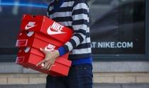 Nike, Adidas kêu gọi Trump không tăng thuế với giày dép từ Trung Quốc