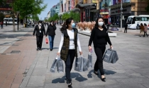 Người Trung Quốc thay đổi thói quen chi tiêu vì dịch COVID-19