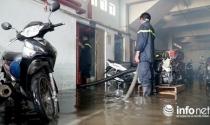 TP.HCM: Nước ngập vài mét trong hầm chung cư, ai bồi thường cho chủ xe?