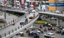 Thiếu tiền, thiếu cơ chế, giao thông TP.HCM tụt hậu