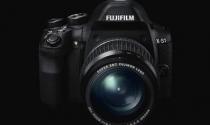 Fujifilm ra máy siêu zoom cao cấp đầu tiên