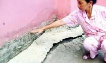 Chung cư Mỹ Thuận (quận 8) xuống cấp nặng - Cư dân đối diện với nguy hiểm