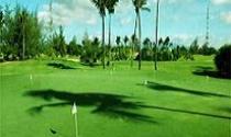 """Nghèo nhưng lại """"giàu"""" sân golf và resort"""