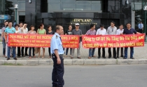 Đi đòi nhà, khách hàng Petroland bị nhốt