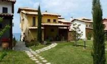 Thuế bất động sản mới làm giá nhà đất ở Hy Lạp sụt mạnh