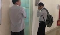 Vụ tranh chấp ở chung cư 584 Phú Thọ Hòa: Nổi giận với chủ đầu tư vì thang máy chung cư bị tuột