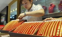 Giá vàng ngập ngừng tăng vì căng thẳng chính trị