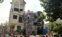Nhà 4 tầng sắp hoàn công bất ngờ đổ sập