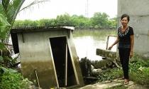 Nhà Bè: Hàng trăm nhà sắp... trôi sông