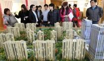 """Công ty địa ốc Trung Quốc """"xoay"""" đủ cách để bán nhà"""