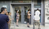 Hy Lạp đóng cửa tất cả ngân hàng
