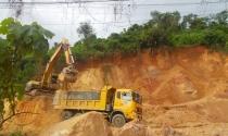 """Quảng Nam: Thiếu quỹ đất tái định cư, """"xẻ thịt"""" đồi núi"""