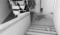 Hành lang chung cư bị chiếm dụng bừa bãi