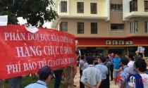 TP.HCM: Cư dân The Era Town tiếp tục tụ tập phản đối chủ đầu tư