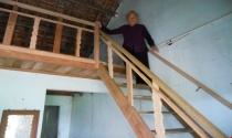 """Bình Định: Vì sao các hộ nghèo """"chê"""" tiền hỗ trợ xây nhà tránh bão?"""