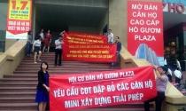 Bị cắt thang máy, cư dân Hồ Gươm Plaza tụ tập phản đối