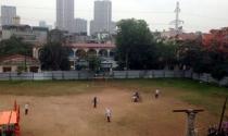 Chính quyền nói gì khi thu sân bóng ở Hà Nội, bị dân phản ứng?