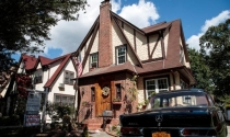 Nhà cũ của Trump hạ giá nhưng không bán được